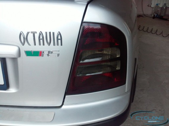 Skoda Octavia тонировка фар стопов